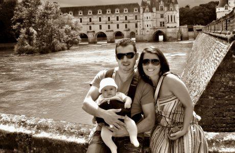 Castillo de Chenonceau en Francia. Valle de Loira con niños Loira