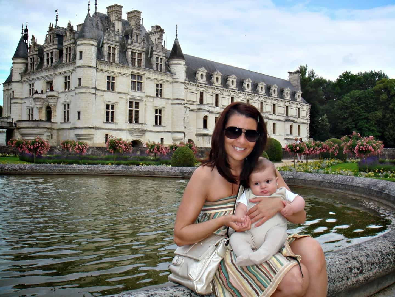 Castillo de Chenonceau en Francia. Valle de Loira con niños Francia