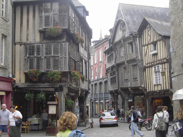 Buscando a Rapunzel en Mont Saint Michel Francia