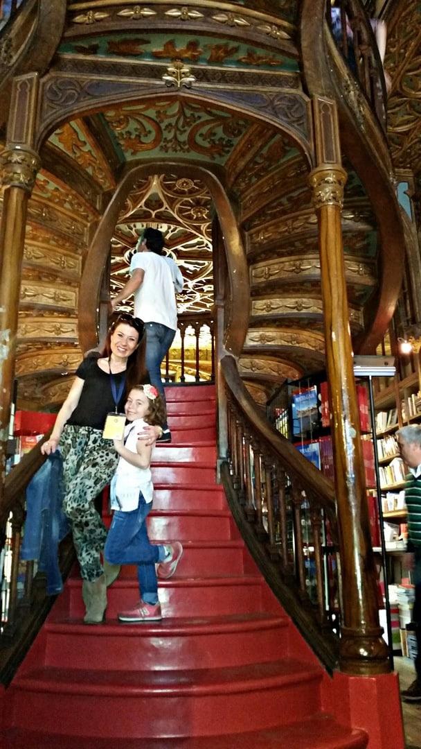 Viaja con tu hijo a Oporto y descubrirás una librería mágica Oporto