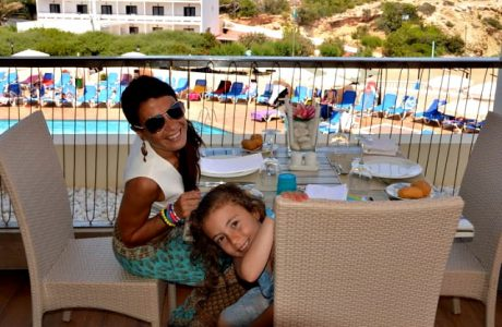 Hotel familiar en Ibiza: Invisa Hotel Club Cala Blanca Ibiza