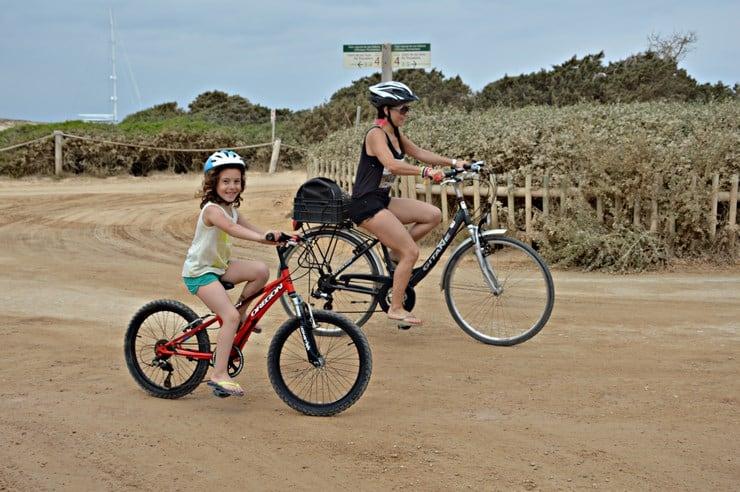 paseo en bicicleta hasta la playa de Illetas en Formentera