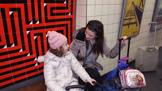 Easybus, Terravisión y Oyster: Cómo Trasladarte con Niños por Londres Inglaterra
