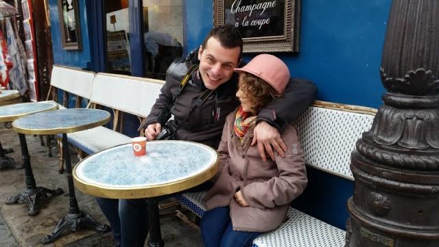 Una Gincana de diversión por Montmartre, París. Francia