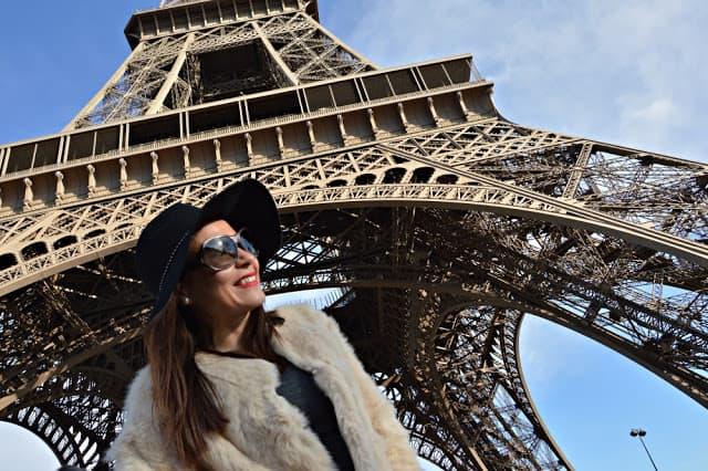 Viajar a La Torre Eiffel de los niños. Francia