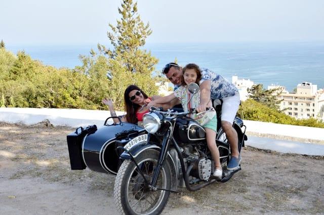 Vivir una experiencia única en Ibiza; paseo en Sidecar clásica España