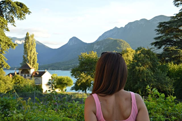 Hotel Le Lac; entre un lago y los Alpes. Annecy Annecy