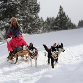 vacaciones-familia-andorra-grandvalira-nieve