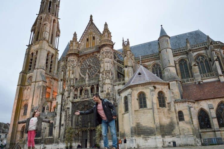 vacaciones-con-ninos-paris-senlis-viajar-familiavacaciones-con-ninos-paris-senlis-viajar-familia