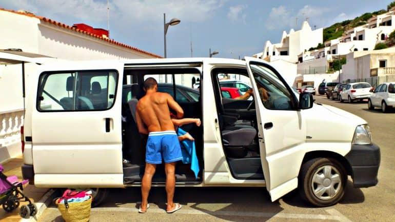 Menorca-con-niños-viajar-vacaciones