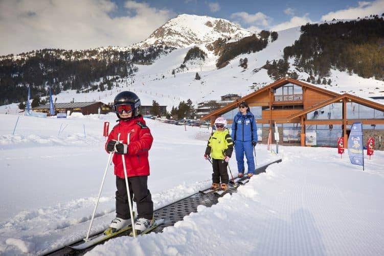https://www.grandvalira.com/esquiar-con-ninos-en-andorra