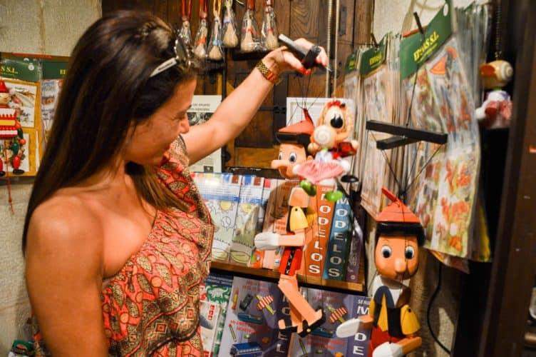 vacaciones-con-niños-cantabria-viajar-familia-ocio-museo-barquillo-santillana-del-mar