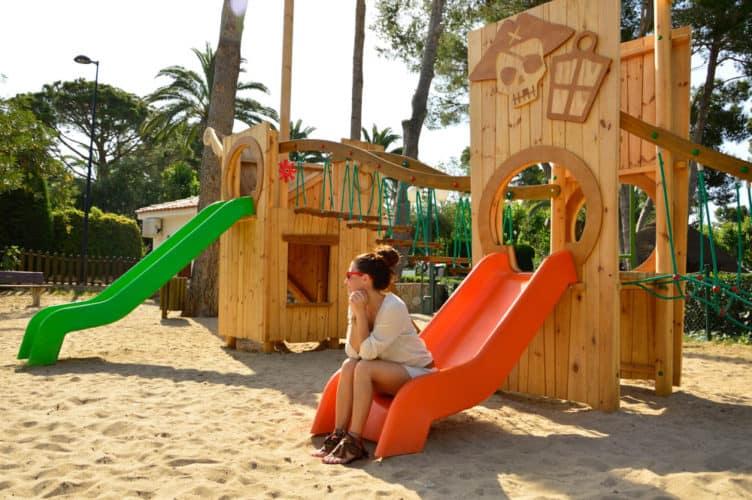 vacaciones-con-niños-camping-playa-montroig-tarragona-viajar-con-niños