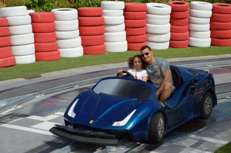 vacaciones-con-niños-viajar-con-niños-ferrari-land-portaventura-tarragona