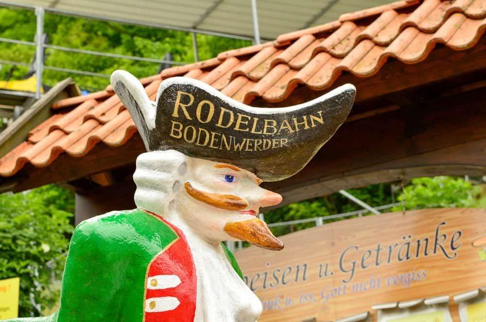 Tobogán-alpino-alemania-viajar-con-niños-vacaiones-alemania-ruta-hermanos-grimm