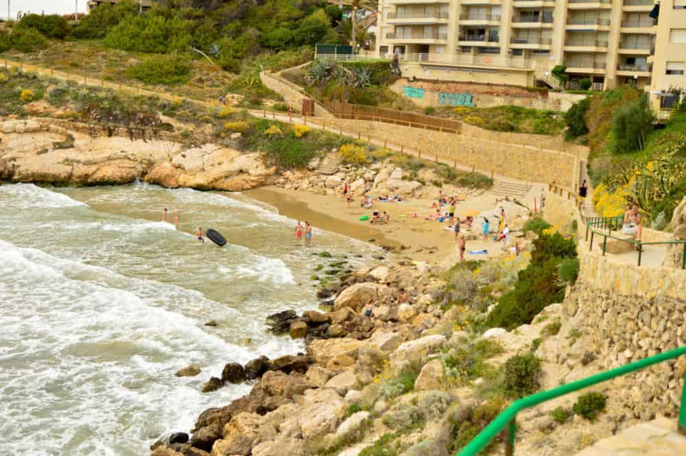 Salou-con-niños-playas-camino-de-ronda-vacaciones-familia-viajar