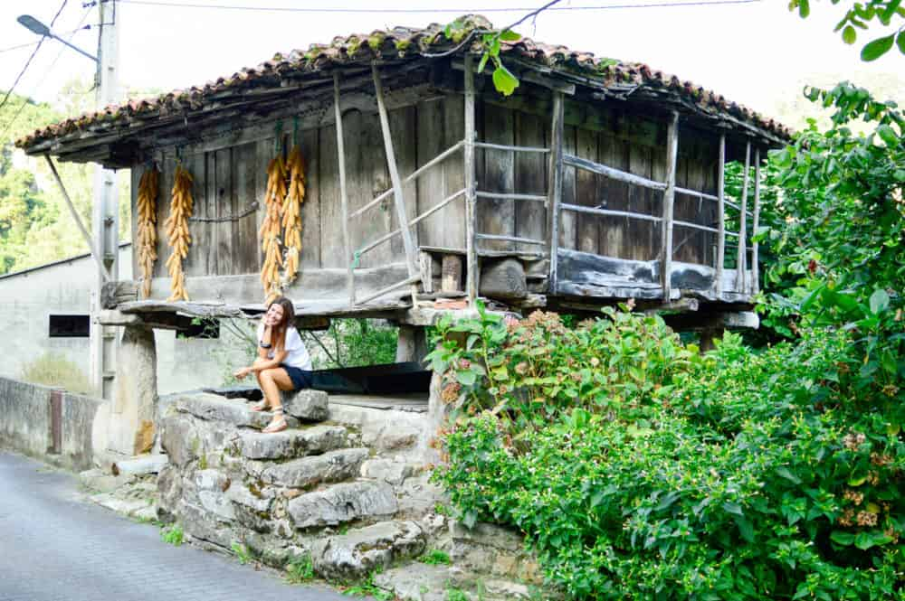 Asturias-con-niños-Cuevas-del-agua-La-Cuevona