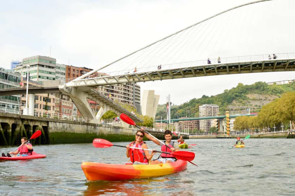 Piragua-en-Bilbao-Bilboboats-planes-en-familia