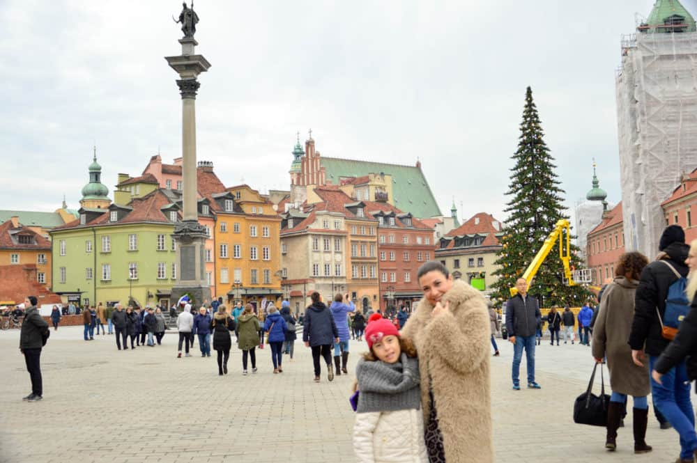 Mercado-de-navidad-varsovia-polonia-con-niños