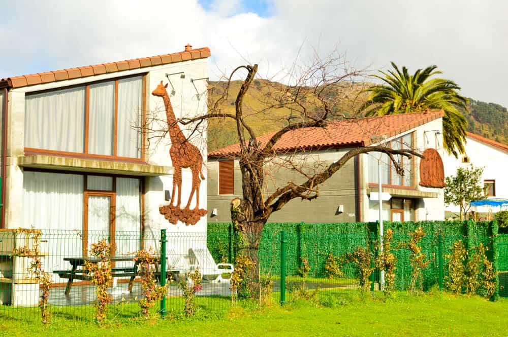 Viajandoconmami-Cabañas-La-Senda-de-los-Elefantes-Parque-Cabárceno-Cantabria-Apartamentos-familiares-28