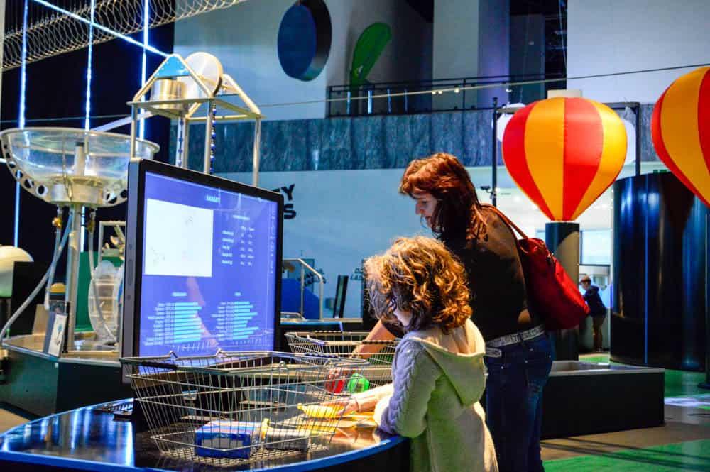 Viajandoconmami-centros-de-experimentos-con-niños-viajes-en-familia