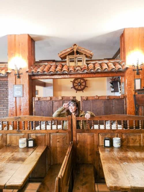 Restaurante en el pueblo de Tazones en Asturias