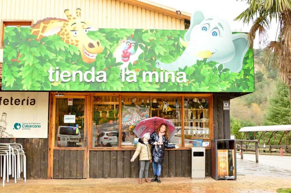 Tiendas en el Parque de Cabárceno en Cantabria