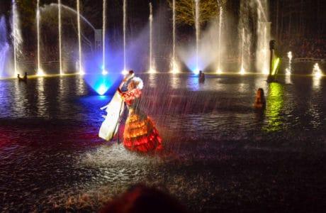 Espectáculo de noche en Puy du Fou en Francia