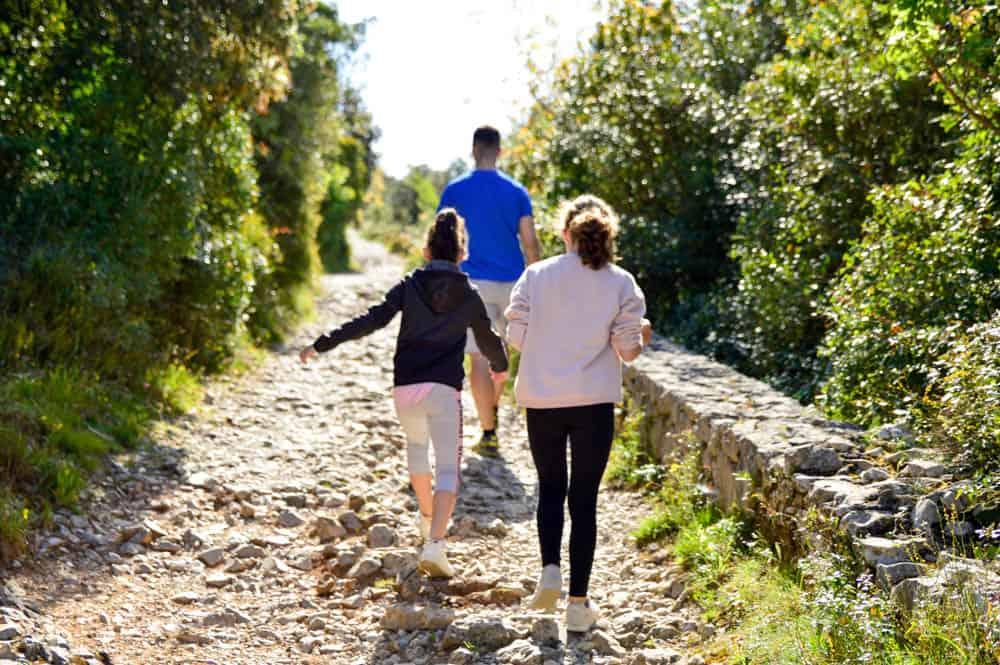 Viajandoconmammi-Viajar-con-niños-Vacaciones-familia-planes-con-niños-en-Cantabria-Santoña-Faro-del-caballo-ruta-senderismo-Travel-31