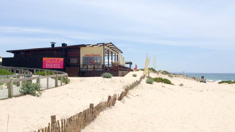 http://viajandoconmami.com/2016/07/razones-de-mucho-peso-para-ir-a-la-playa-de-comporta-en-portugal