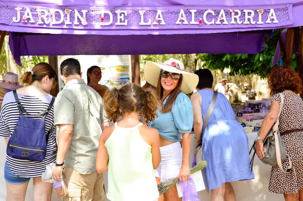 Viajandoconmammi-Viajar-con-niños-Vacaciones-familia-planes-con-niños-Campos-Lavanda-Brihuega-Guadalajara-Festival-Lavanda