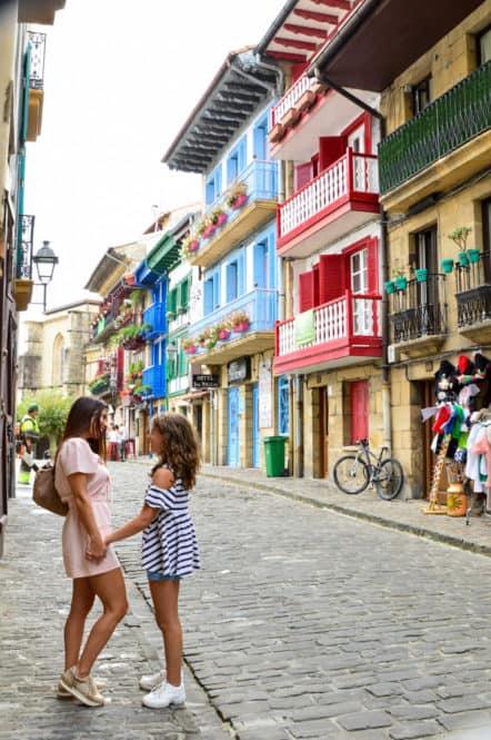 Hondarribia, ¡mira que eres bonita!. Pueblos bonitos del País Vasco. España