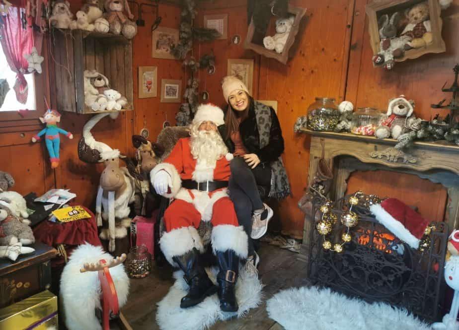 Papa-Noel-Biarritz-con-los-niños