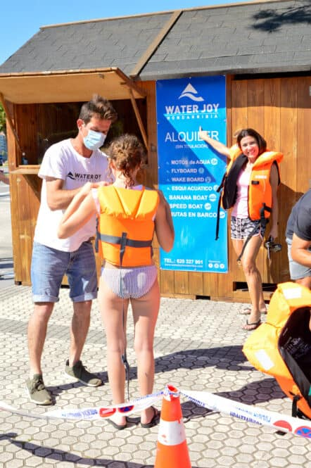Banana Boat con Water Joy en Hondarribia