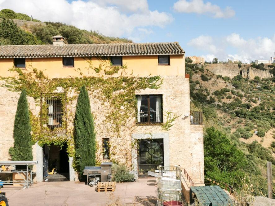 Bodega Descalzos Viejos en Ronda, Málaga, Andalucía