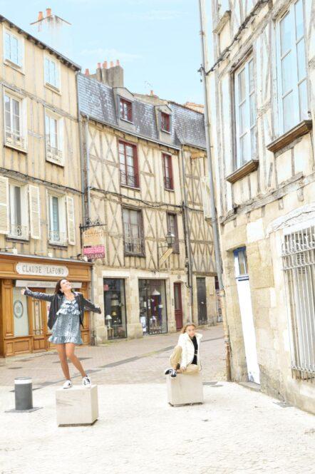 Calle del Casco Histórico de Poitiers en Francia