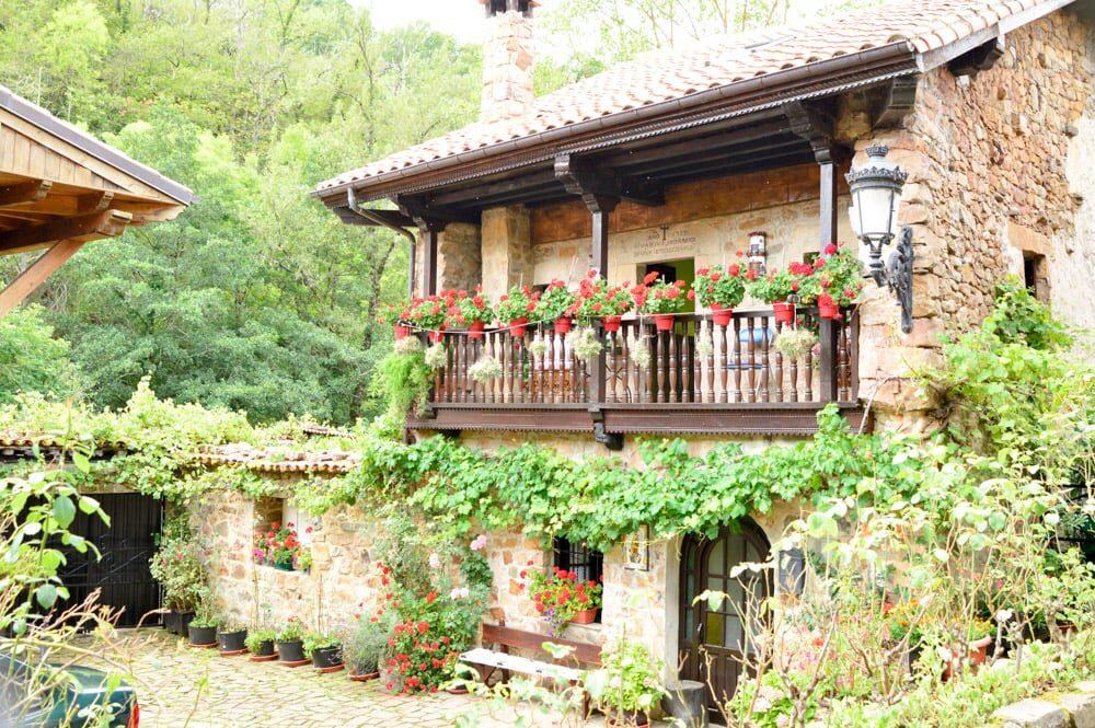 Viajandoconmami. Bárcena Mayor en Cantabria