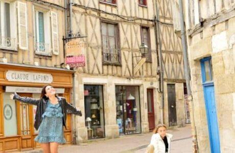 5 bonitas calles de Poitiers que no te puedes perder Lugares de cuento
