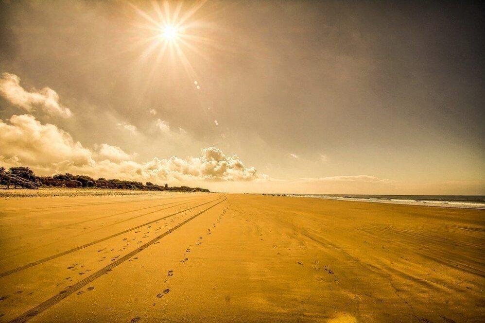 playa-de-las-tres-piedras-chipiona-Cádiz