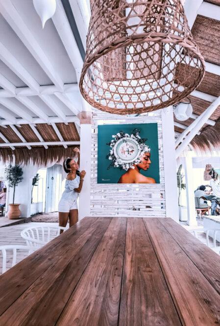 Viajandoconmami-Chipiona-Natural-restaurante-la-manuela-en-la-Playa-de-las-Tres-piedras